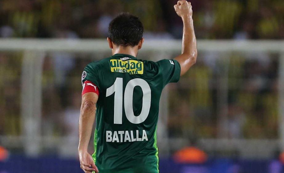 Lig tarihinin en golcü Arjantinli oyuncusu ayrılıyor! Bursaspor'un efsanesi Batalla...