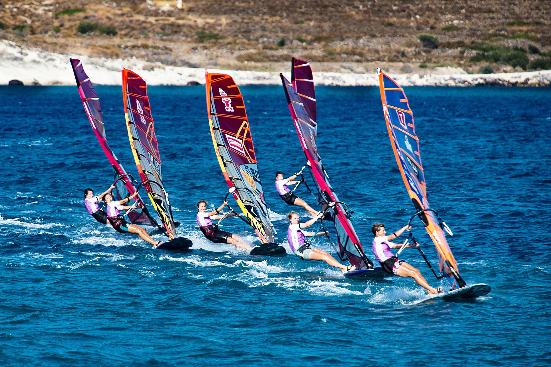 Rüzgar sörfü heyecanı İzmir'de başladı!
