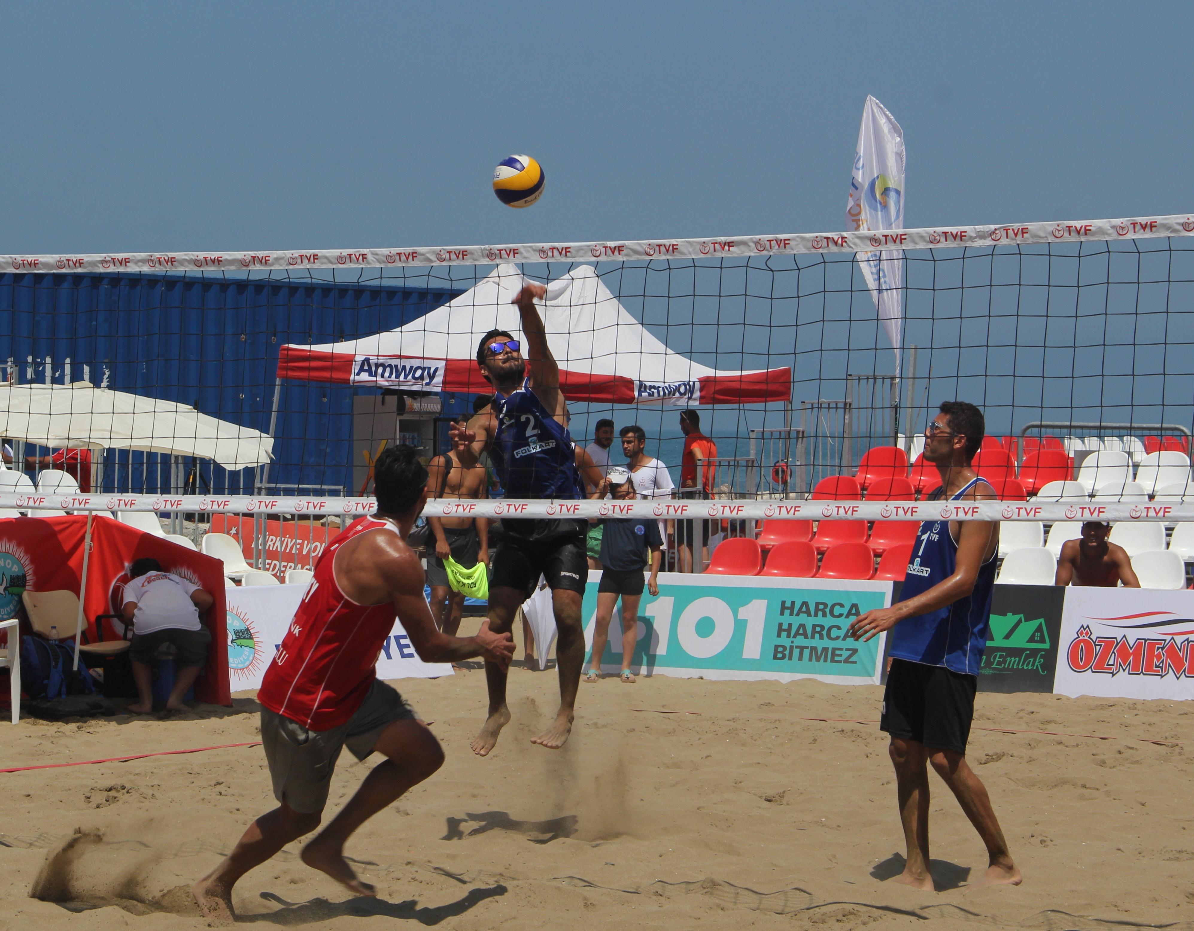 Plaj Voleybolu Kulüpler Ligi finalleri başladı