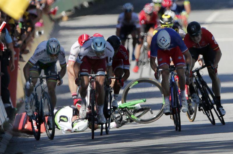 Cavendish'e dirsek atan Sagan diskalifiye edildi