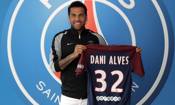 Video - Dani Alves'in enerjisi bitmiyor