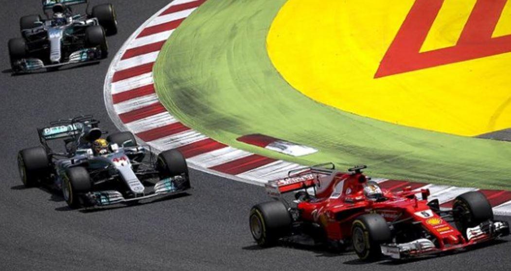 Pole pozisyonu Lewis Hamilton'un!