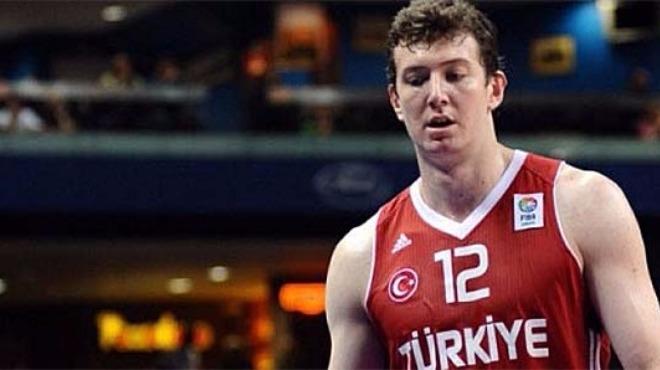 Ömer Aşık, Eurobasket kadrosundan çıkarıldı!