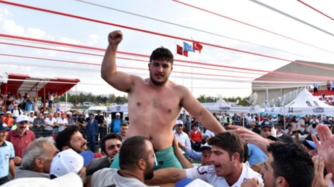 Erzurumda başpehlivan Fatih Yaşarlı