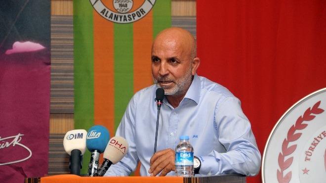 """Hasan Çavuşoğlu: """"Temennimiz futbolumuzun güzel yerlere gelmesi"""""""