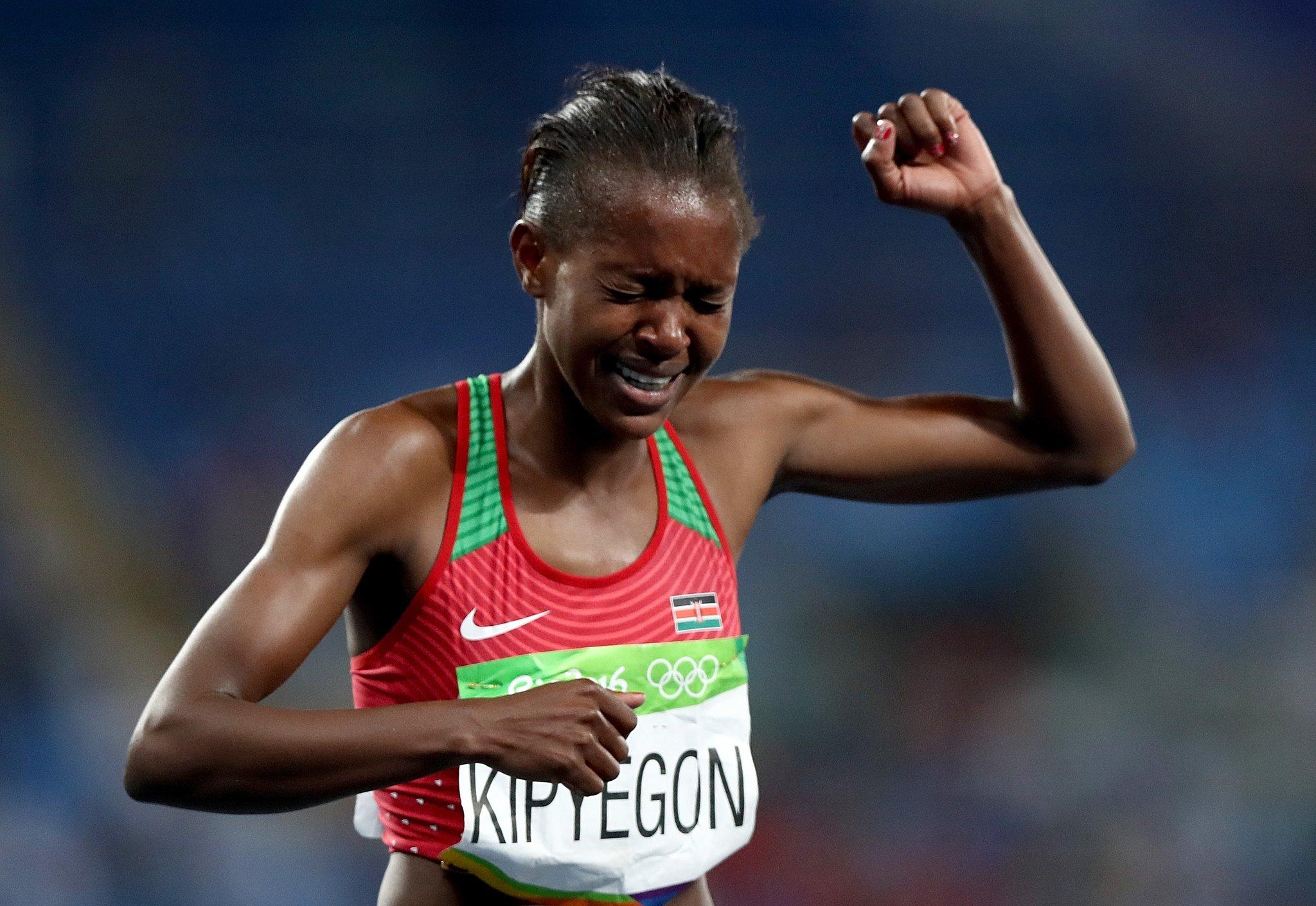 Altın madalyayı Kenyalı Kipyegon kazandı