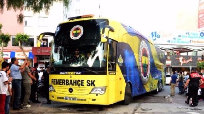 Fenerbahçe otobüsüne saldırı!