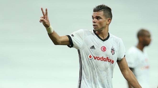 Pepe ilk kez seyircisiz oynadı bu ayıp yeter