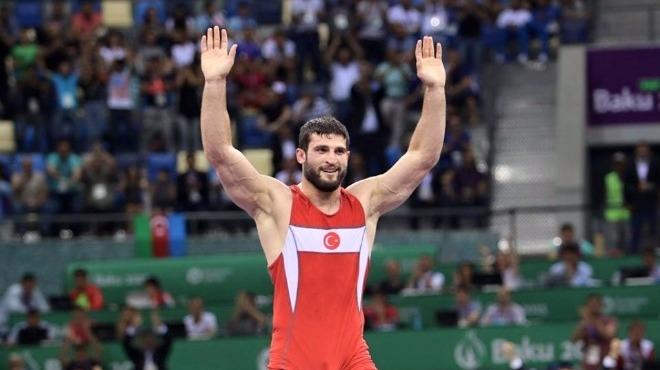 Metehan Başar, altın madalya kazandı!