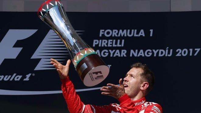 Ferrari, Vettel ile sözleşme uzattı