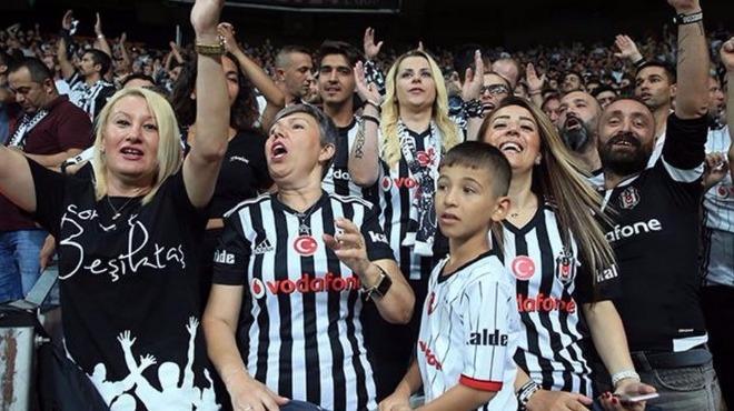 Beşiktaş taraftarları müthiş döndü!