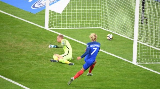 Fransa, Hollanda'yı sahadan sildi!