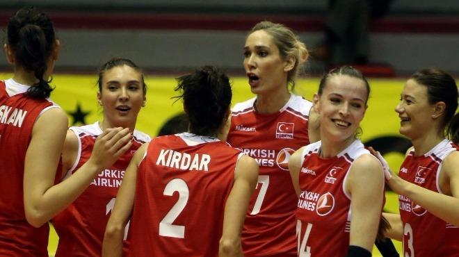 A Milli Kadın Voleybol Takımı, basınla buluştu!