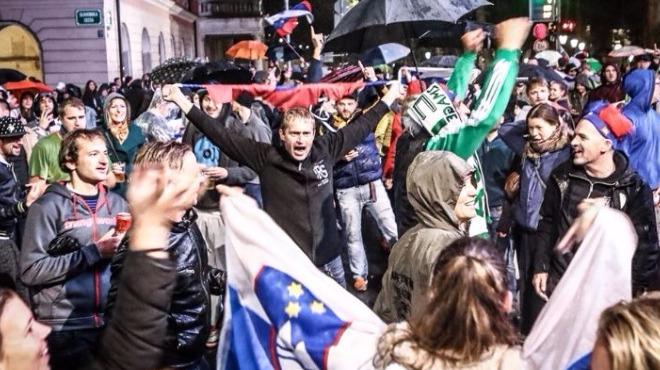 Slovenya zafer sarhoşu!