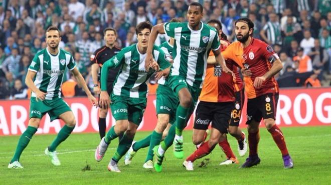 Galatasaray Bursaspor karşısında üstün...