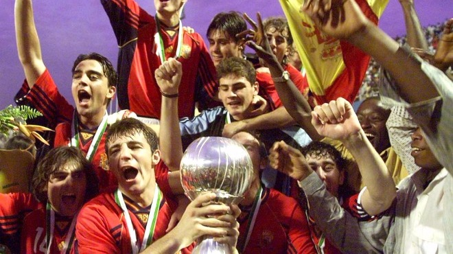 YAZI DİZİSİ (5): La Furia oldu La Roja! Cruyff'un gelişi ve Franco'nun ölümüyle değişen İspanyol futbolu...
