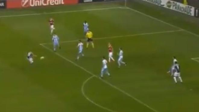 Sneijder'den ilk gol katkısı