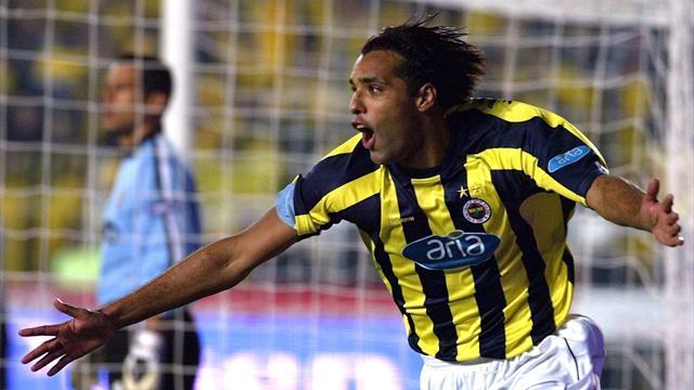 Van Hooijdonk'tan Fenerbahçelilere mesaj var!