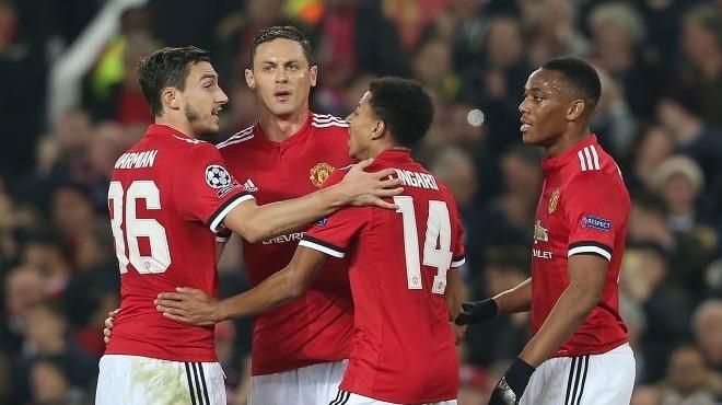 Manchester United kapıyı araladı!