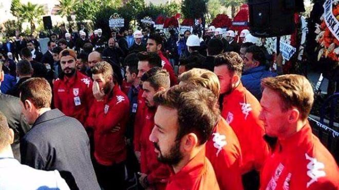 Samsunspor otobüsü yoldan döndü! Takdir topladılar!