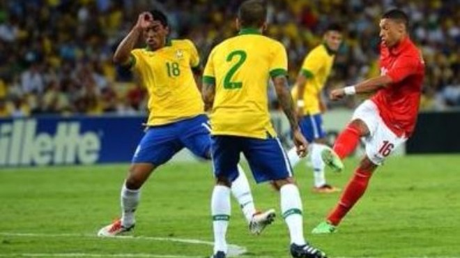 İngiltere, Brezilya karşısında zorlanıyor
