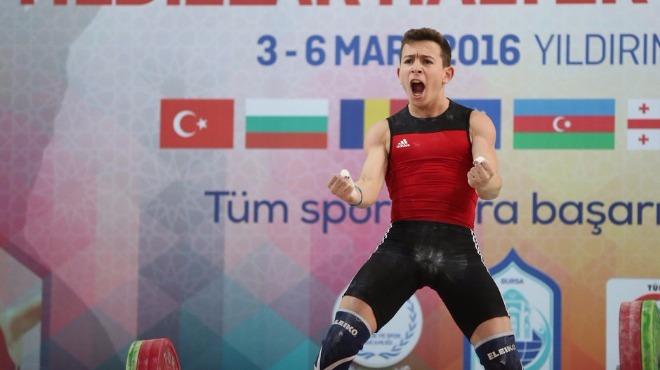 Video - 23 güne iki Avrupa şampiyonluğu sığdırdı!