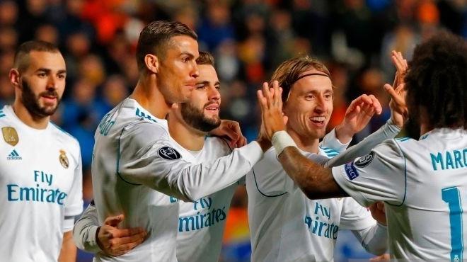 Ronaldo tarihe geçti, Real Madrid garantiledi