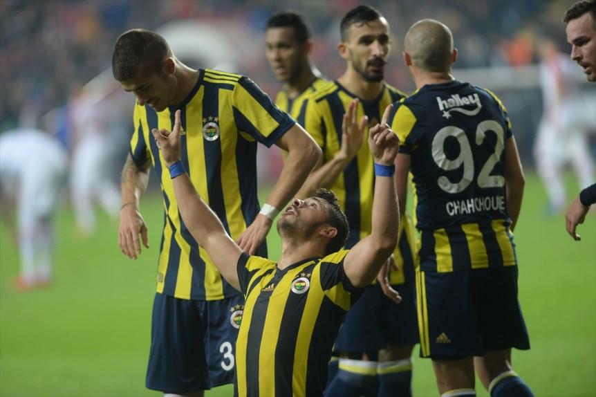 Fenerbahçe'yi ligde orta sahası sırtlıyor, 26 golün 16'sı onlardan geldi...