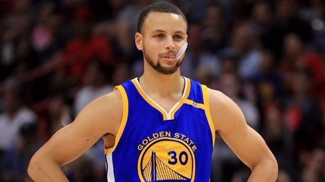 Golden State Warriors'ın yıldızı Curry en az 2 hafta yok