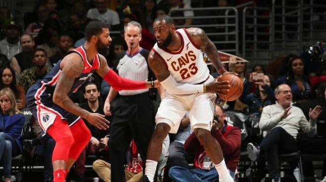 NBA'de LeBron James fırtınası esmeye devam ediyor! Arka arkaya 3. maçta...