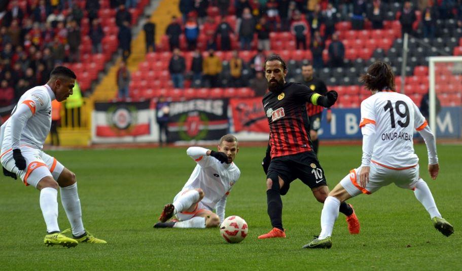 Eskişehirspor - Adanaspor maçı haftanın en çok seyirci çeken maçı oldu