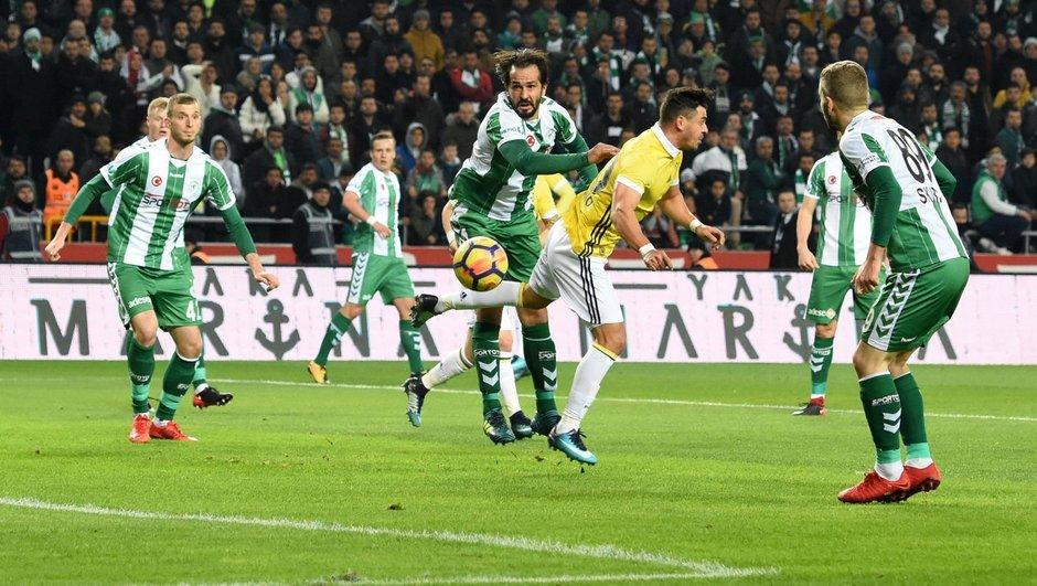 Konyaspor-Fenerbahçe maçını 20.458 kişi izledi