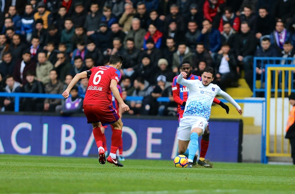 Karabükspor - Trabzonspor maçını 5929 kişi izledi