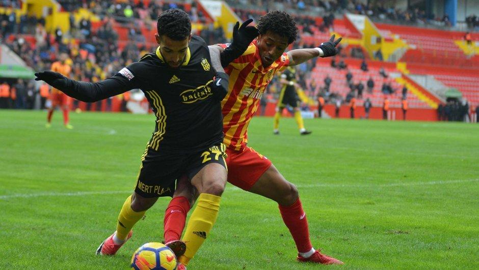 Kayserispor - Y.Malatyaspor maçını 8.859 kişi izledi