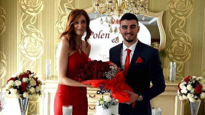 Fenerbahçeli voleybolcular Adana'da nişanlandı