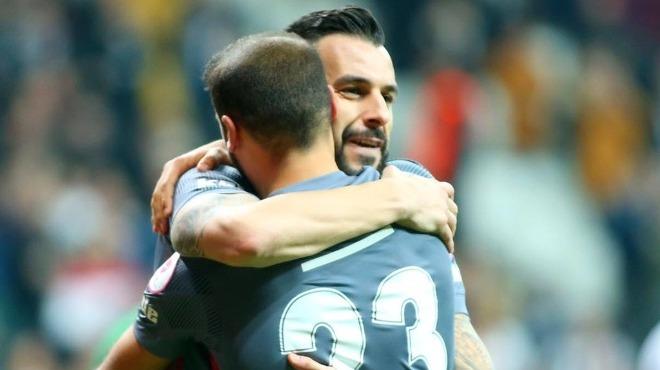 Cenk ve Negredo gollere devam ediyor