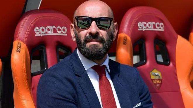 Manchester United ve Barcelona, Monchi için kıyasıya yarışıyor