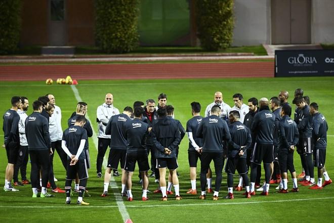 Beşiktaş, Kasımpaşa maçında hangi formayı giyecek?