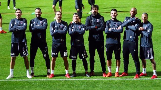 Beşiktaş'ta üç bölge için soru işaretleri!