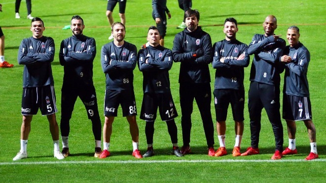 Beşiktaş'a eleştiriler! Quaresma, Oğuzhan...
