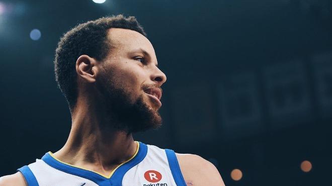 Curry'den üç çeyrekte 45 sayı