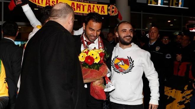 Video - Galatasaray'a Antalya'da muhteşem karşılama!
