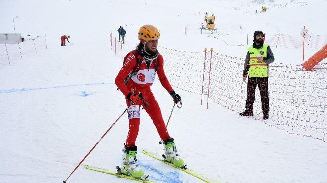 Dağ Kayağı Türkiye Şampiyonası, Erciyes'te yapıldı