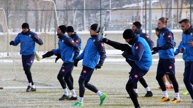 B.B. Erzurumspor  tempolu çalıştı.