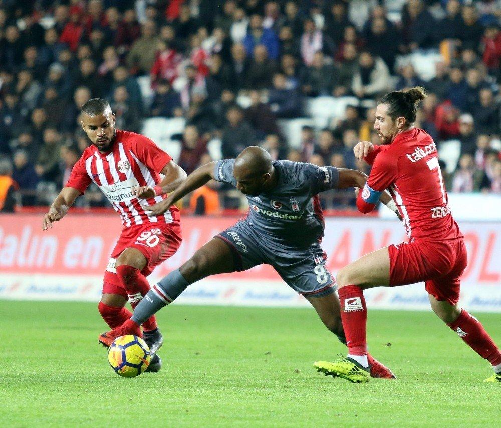 'Beşiktaş'ta sorun İsviçre Peyniri gibi'