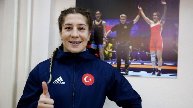 Türk kadın güreşçiler iddialı