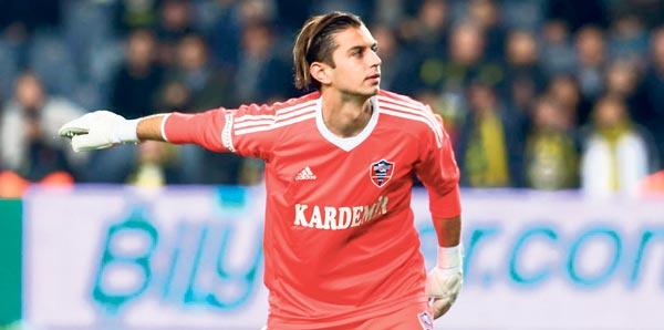 Galatasaray'ın gündemindeki genç yıldıza Süper Lig'den sürpriz teklif!