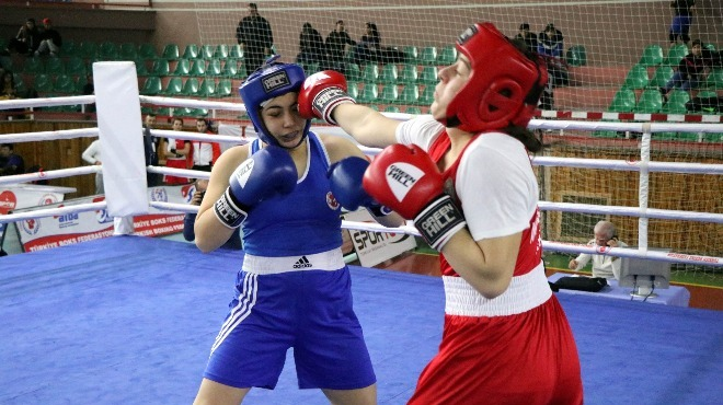 Avrupa Kadınlar Boks Şampiyonası'nda, Rabia Oruçoğlu ve Gülizar Kara elendi