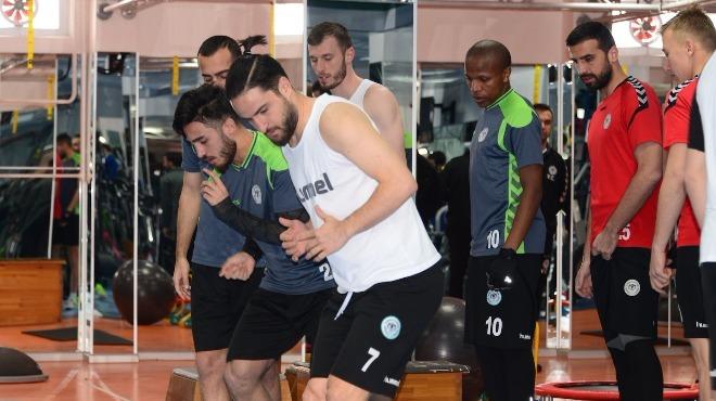 Atiker Konyaspor salonda çalıştı