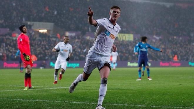 Arsenal'e Swansea darbesi
